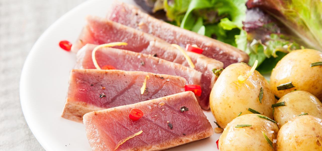 Visuel recette steak de thon albacore grillé au zeste de citron et au romarin SAPMER